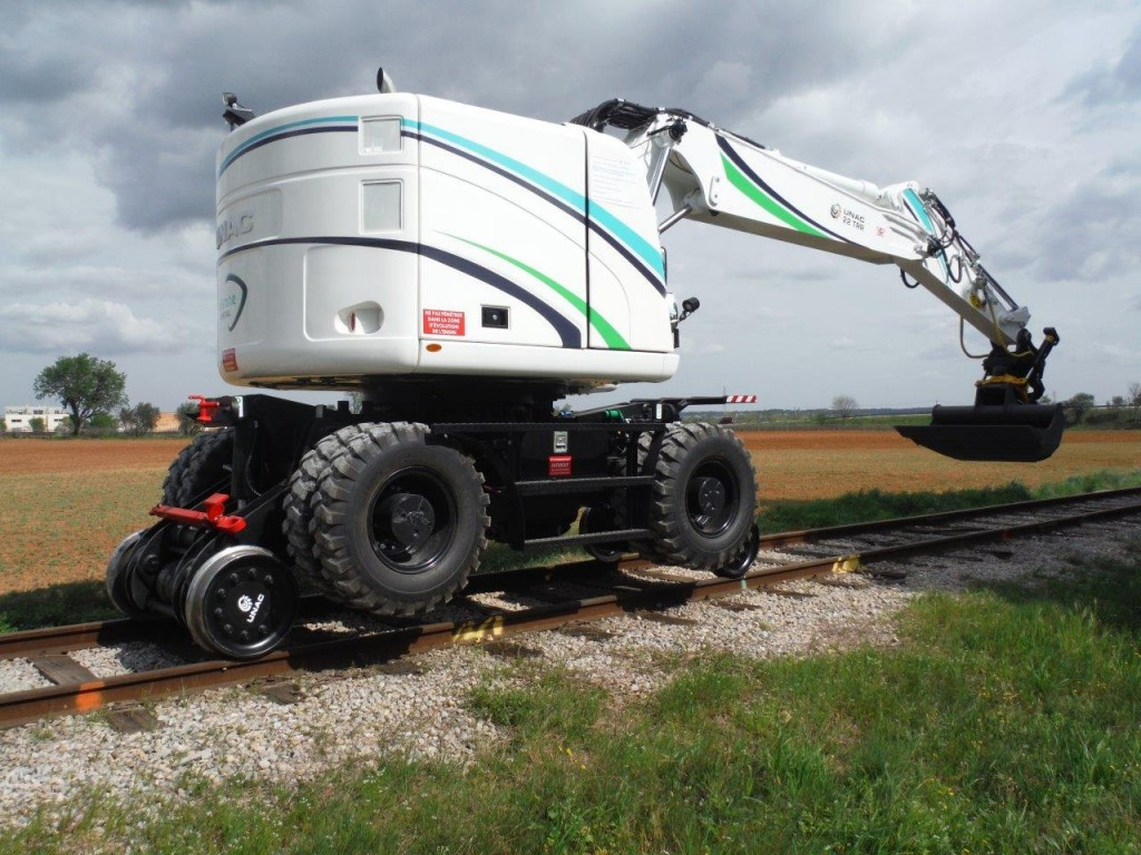 Railshine launch Railshine Rental division dedicated to UNAC 22TRR road-rail excavator hire.